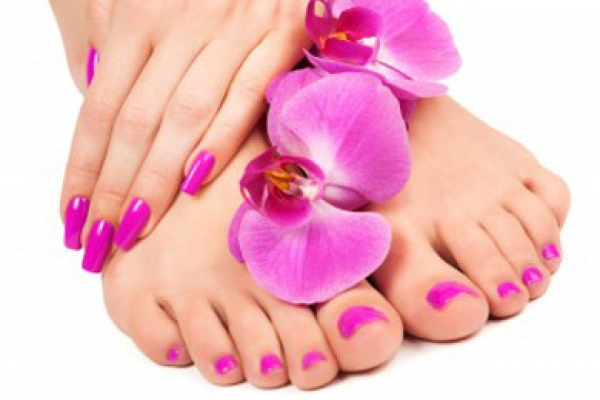 News...semi-permanent polish at Pietre Gemelle!
